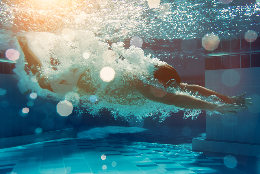 One of the health benefits of swimming is that it can relieve asthma.