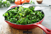 One of the health benefits of kale is that it is a great source of healthy plant-based protein.