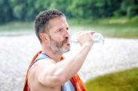This article will show you how to safely exercise in the heat.
