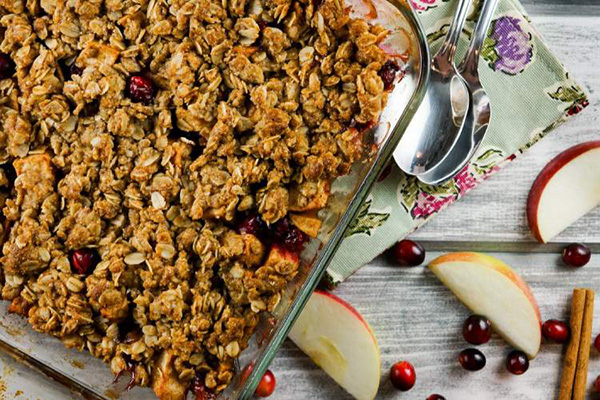 One of the healthy holiday breakfast recipes on our list is Cranberry-apple oatmeal