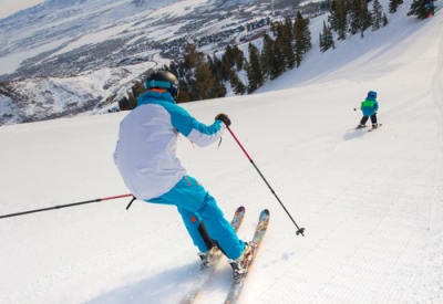 These hearing loss-friendly ski vacation spots are sure to be fun for the whole family.