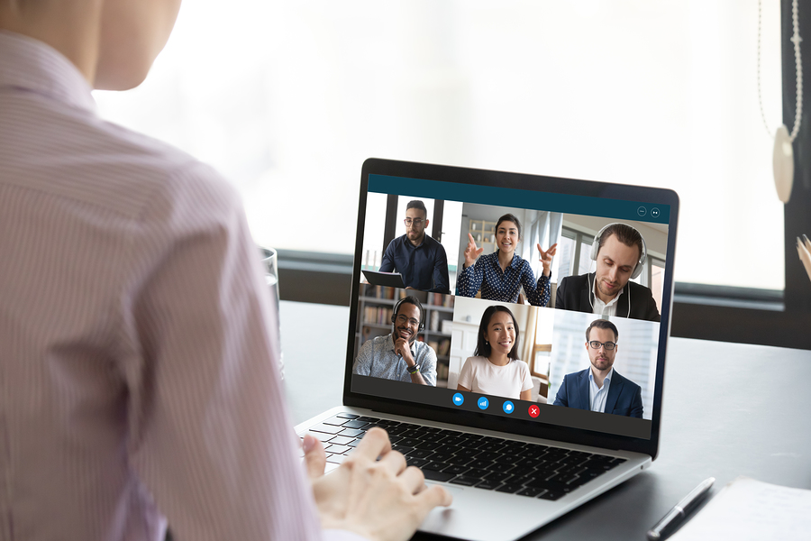One of the tips for virtual meetings with hearing loss is to agree on mute and lighting guidelines.